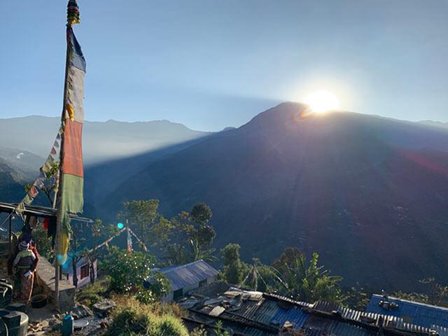 SDLラムチェ村の朝